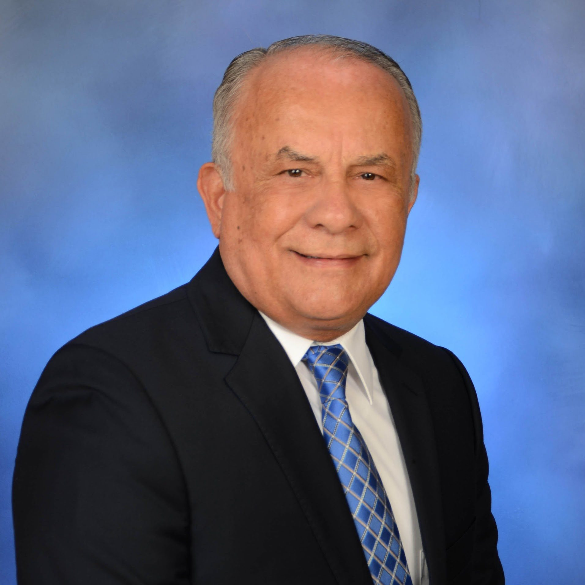 Dr. Leandro Colón Alicea